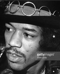 hendrix-teeth-visible-2